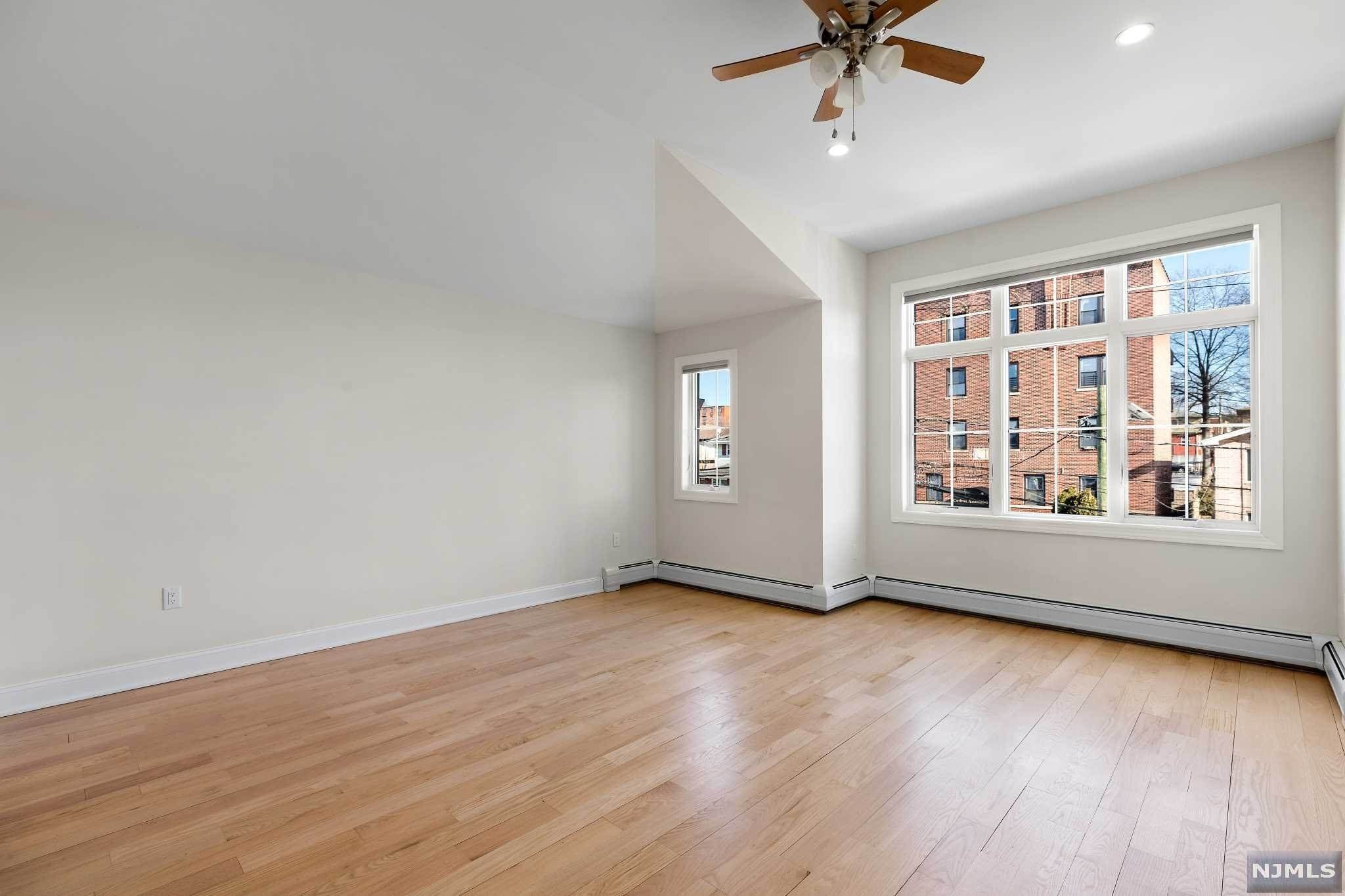 15. Rental Communities for Rent at 263B Hillside Avenue #2 Palisades Park, New Jersey, 07650 United States
