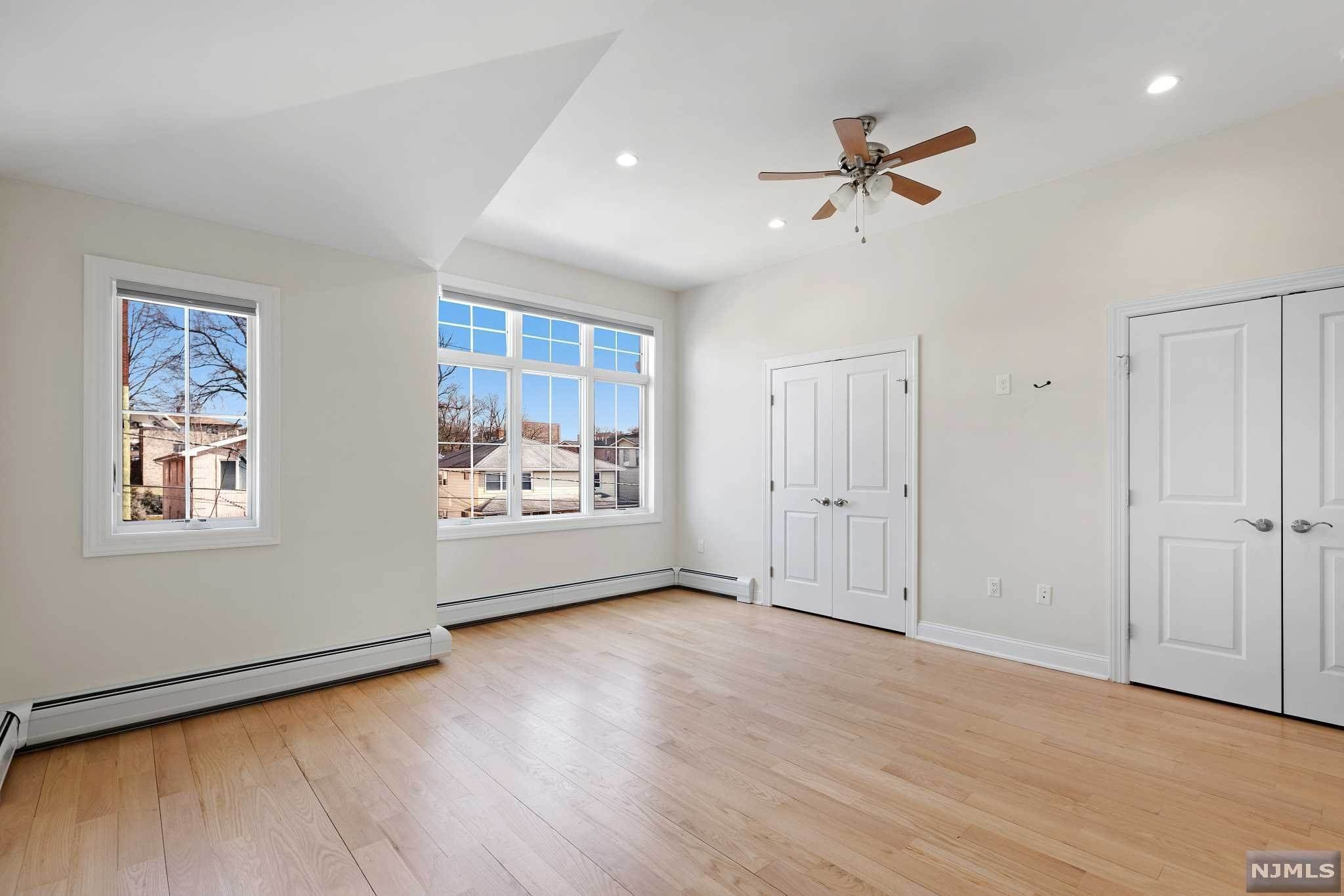 16. Rental Communities for Rent at 263B Hillside Avenue #2 Palisades Park, New Jersey, 07650 United States