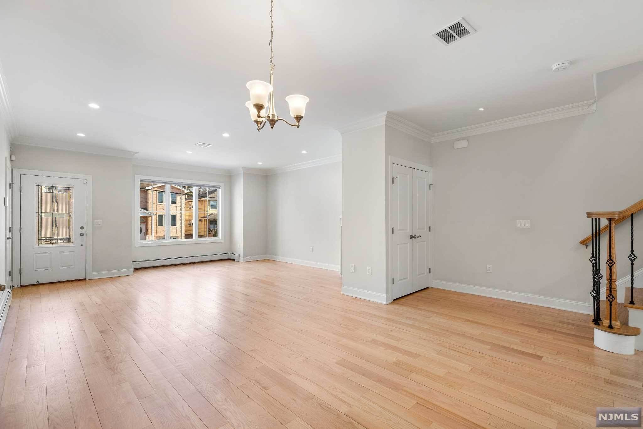 3. Rental Communities for Rent at 263B Hillside Avenue #2 Palisades Park, New Jersey, 07650 United States