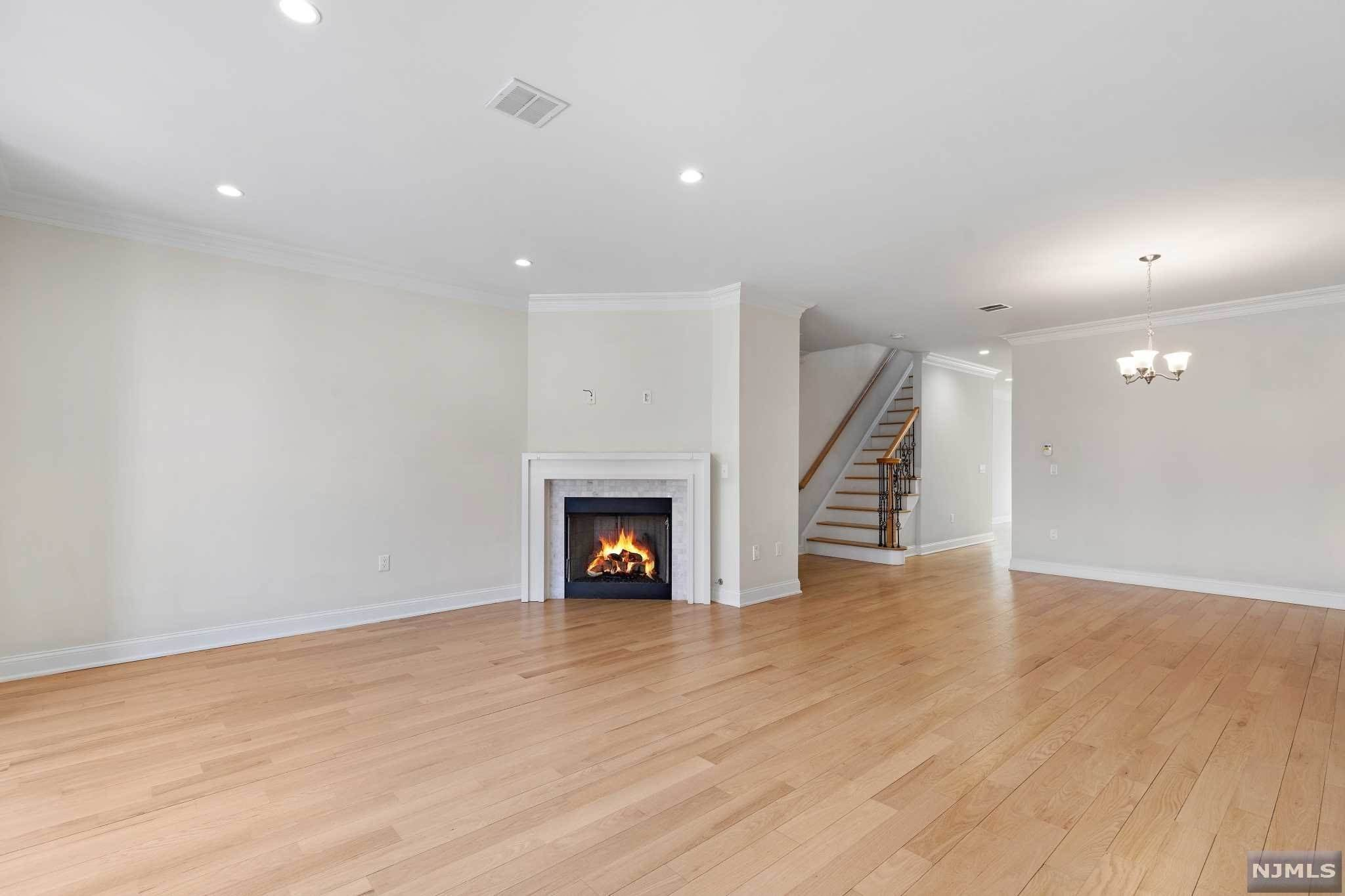 4. Rental Communities for Rent at 263B Hillside Avenue #2 Palisades Park, New Jersey, 07650 United States