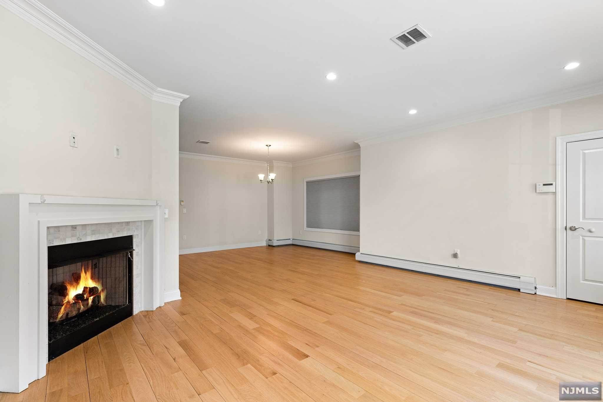 5. Rental Communities for Rent at 263B Hillside Avenue #2 Palisades Park, New Jersey, 07650 United States