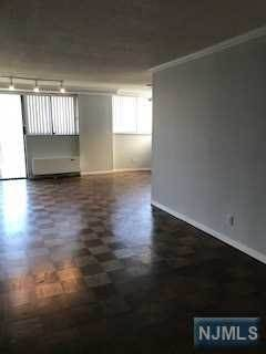 5. Rental Communities for Rent at 235 Prospect Avenue #6B Hackensack, New Jersey, 07601 United States