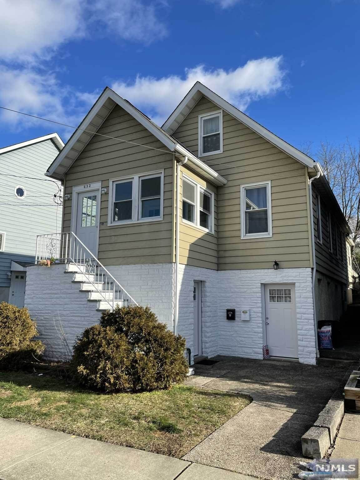 2. Rental Communities for Rent at 632 Chase Avenue #1 Lyndhurst, New Jersey, 07071 United States