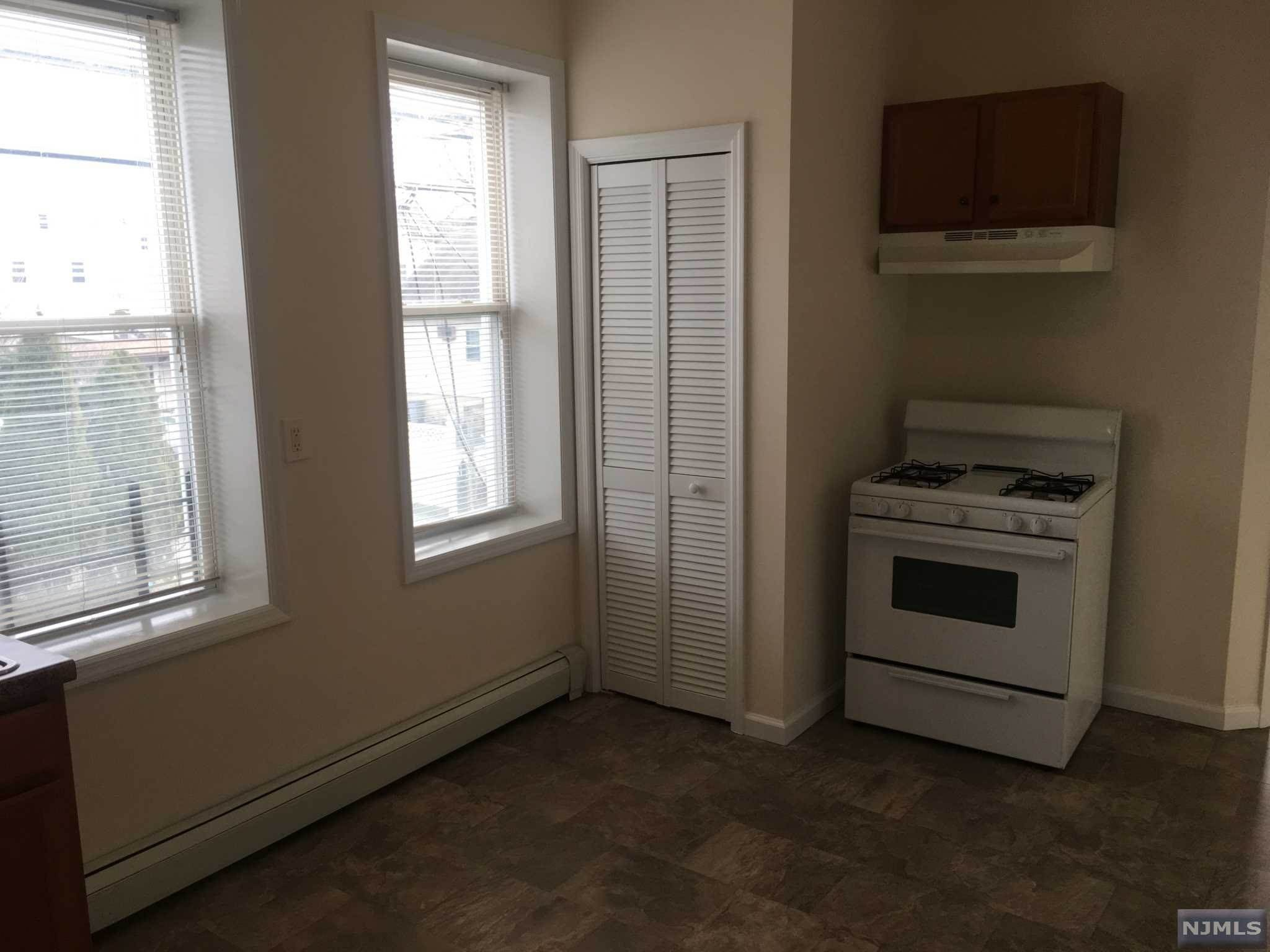 4. Rental Communities for Rent at 193 Ackerman Avenue #4 Clifton, New Jersey, 07011 United States
