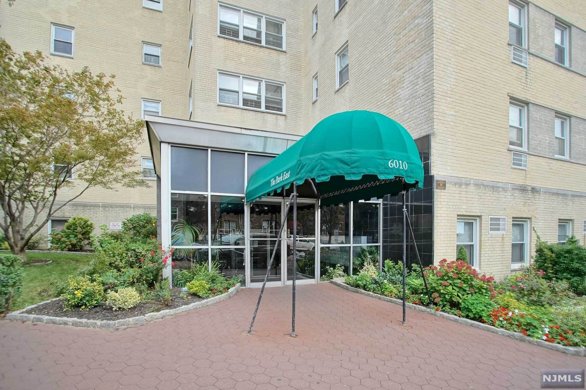 22. Rental Communities for Rent at 6010 BOULEVARD EAST #61 West New York, New Jersey, 07093 United States