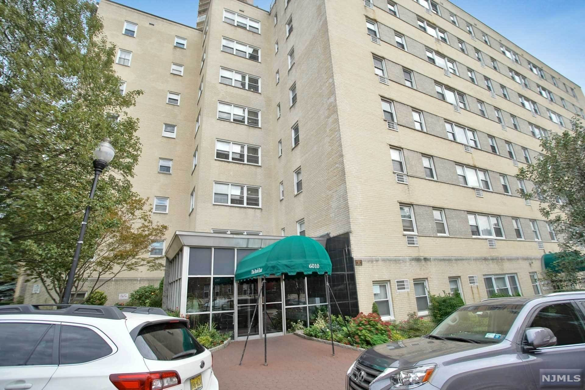 23. Rental Communities for Rent at 6010 BOULEVARD EAST #61 West New York, New Jersey, 07093 United States