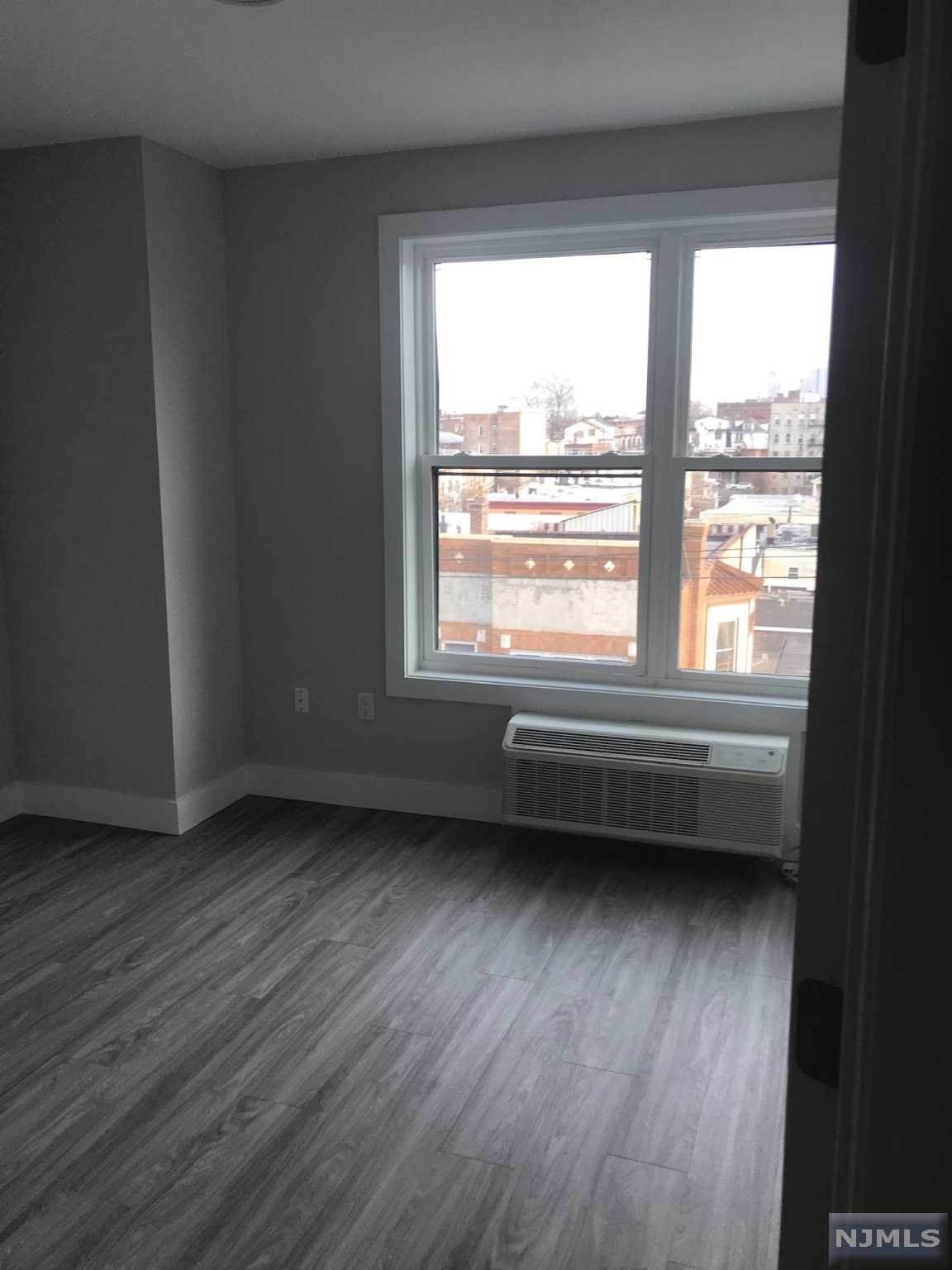 6. Rental Communities for Rent at 6115-6119 BROADWAY #305 West New York, New Jersey, 07093 United States