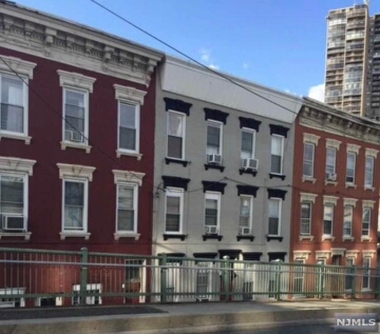 Rental Communities for Rent at 1802 Willow Avenue #2 Weehawken, New Jersey, 07086 United States