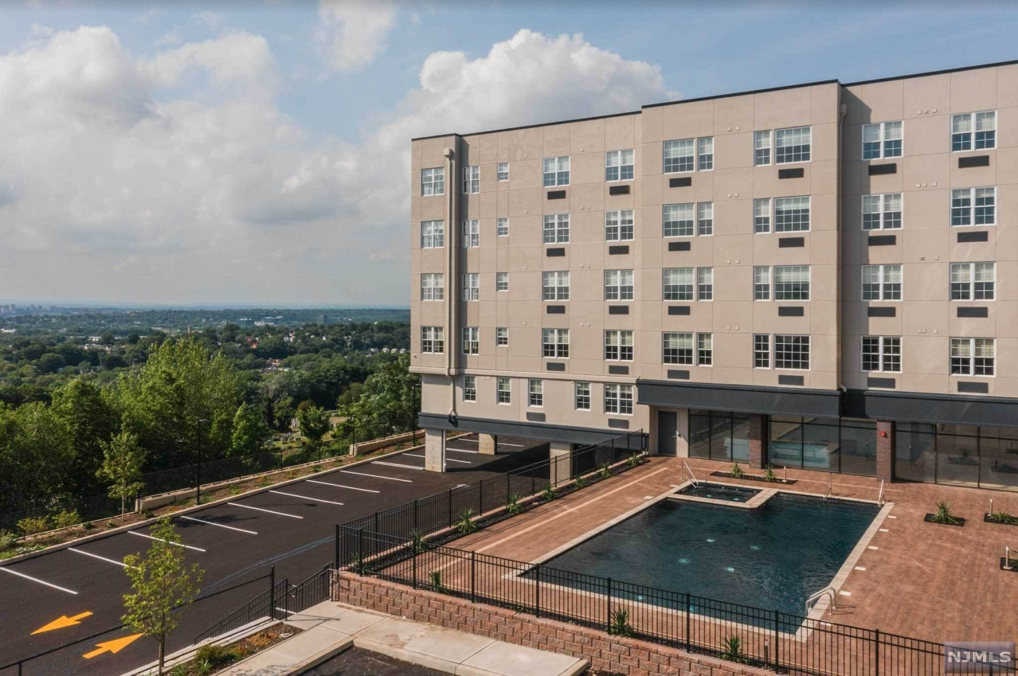 3. Rental Communities for Rent at 520 Cliff Street #526 Fairview, New Jersey, 07022 United States
