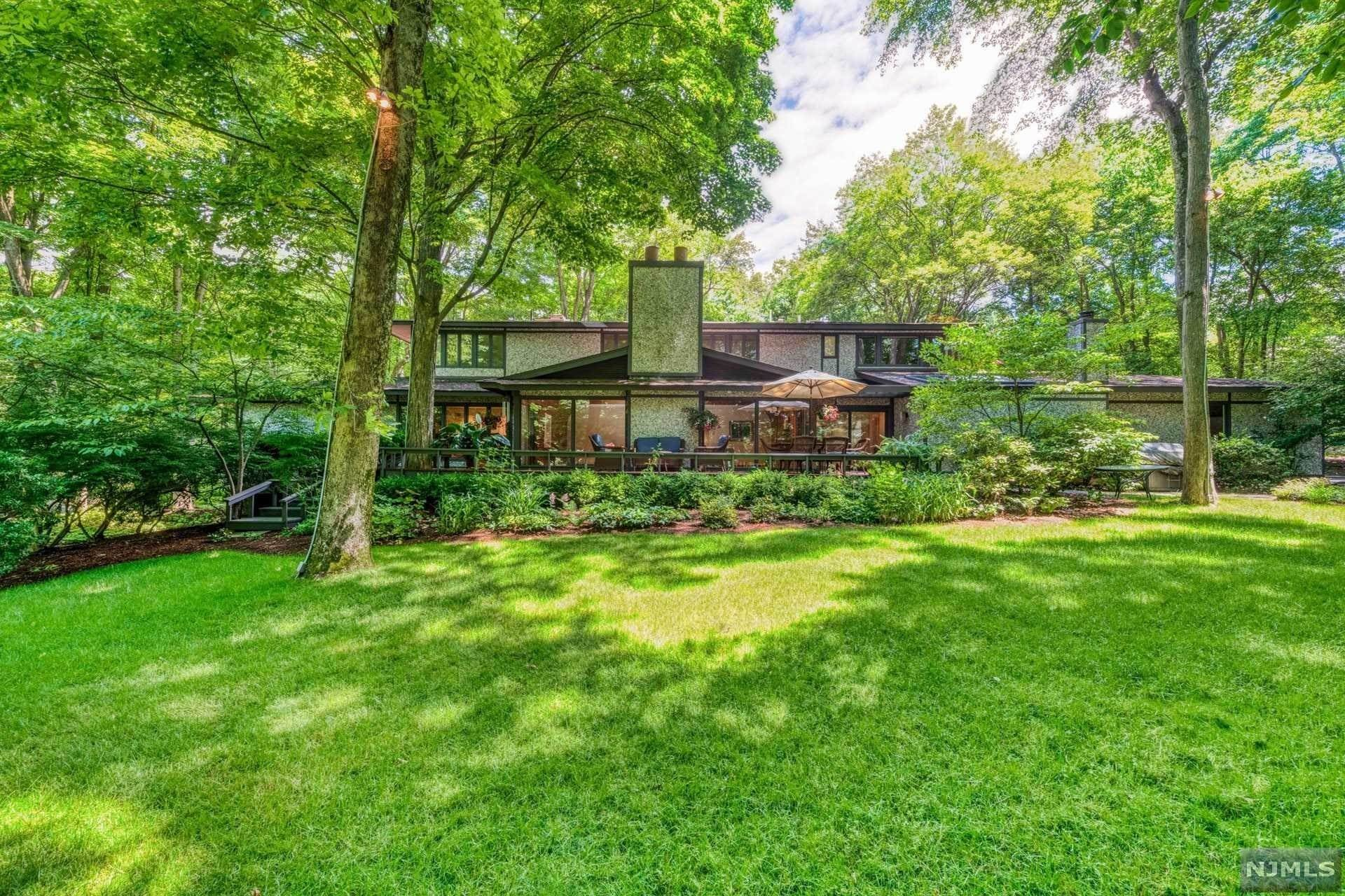 Single Family Home for Sale at 6 Bayberry Drive Saddle River, New Jersey, 07458 United States