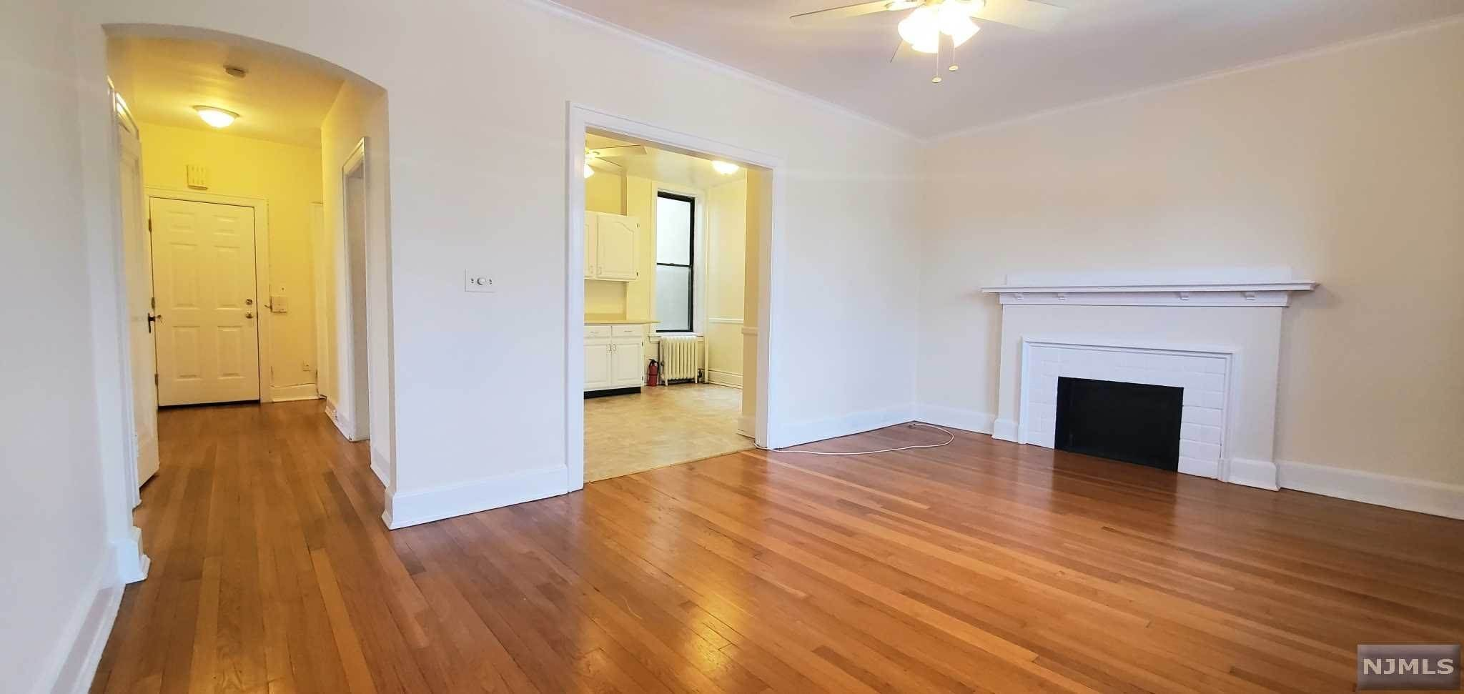 Rental Communities for Rent at 54-56 Oak Street #5 Ridgewood, New Jersey, 07450 United States