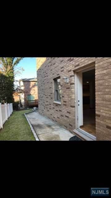 Rental Communities for Rent at 461 10th Street Palisades Park, New Jersey, 07650 United States