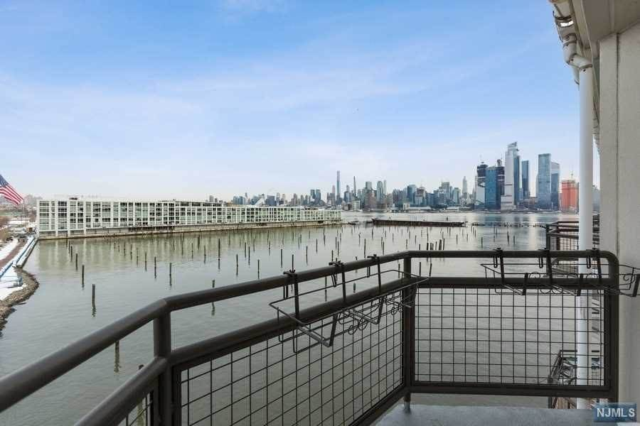 Rental Communities for Rent at 600 Harbor Boulevard #1001 Weehawken, New Jersey, 07086 United States
