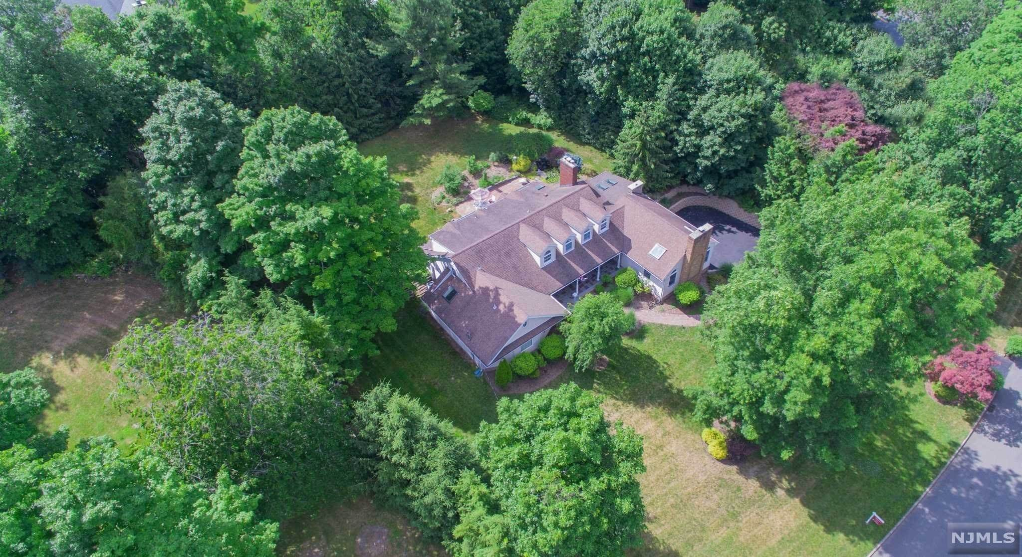 Single Family Home for Sale at 7 Pharis Place Upper Saddle River, New Jersey, 07458 United States
