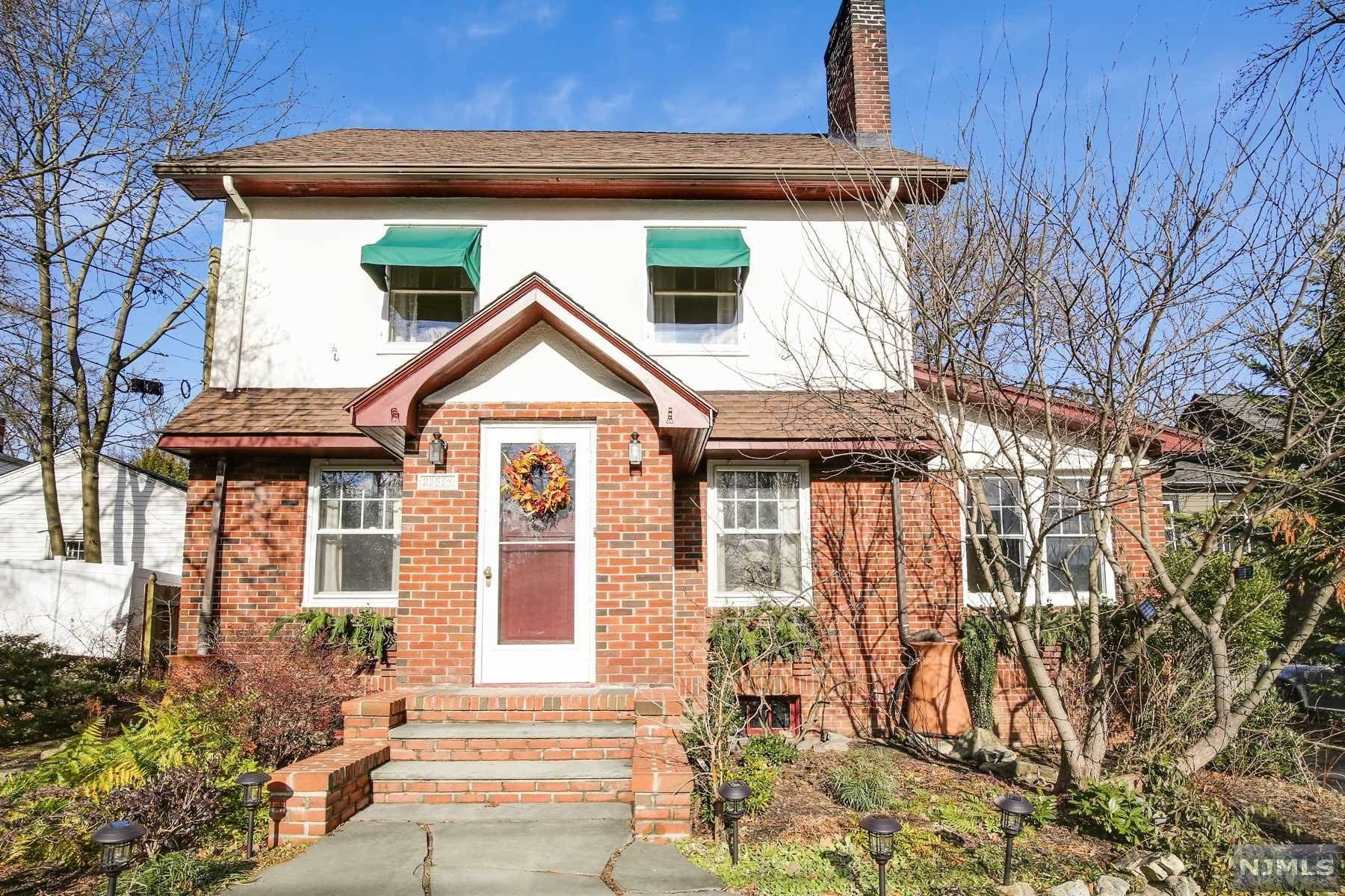 Single Family Home for Sale at 254 Watchung Avenue Glen Ridge, New Jersey, 07028 United States