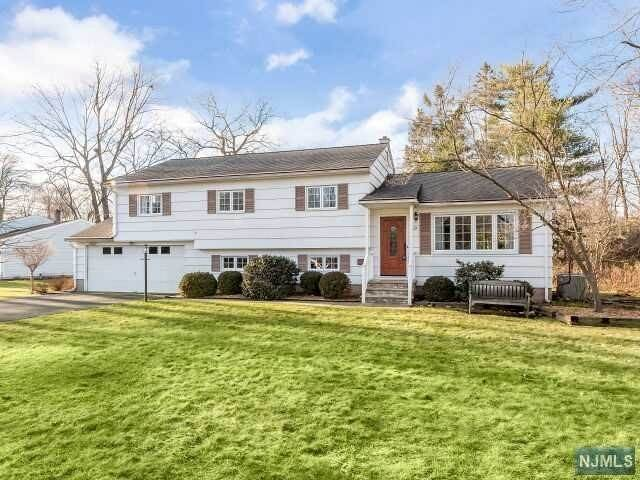 Single Family Home for Sale at 19 Mary Lane Waldwick, New Jersey, 07463 United States