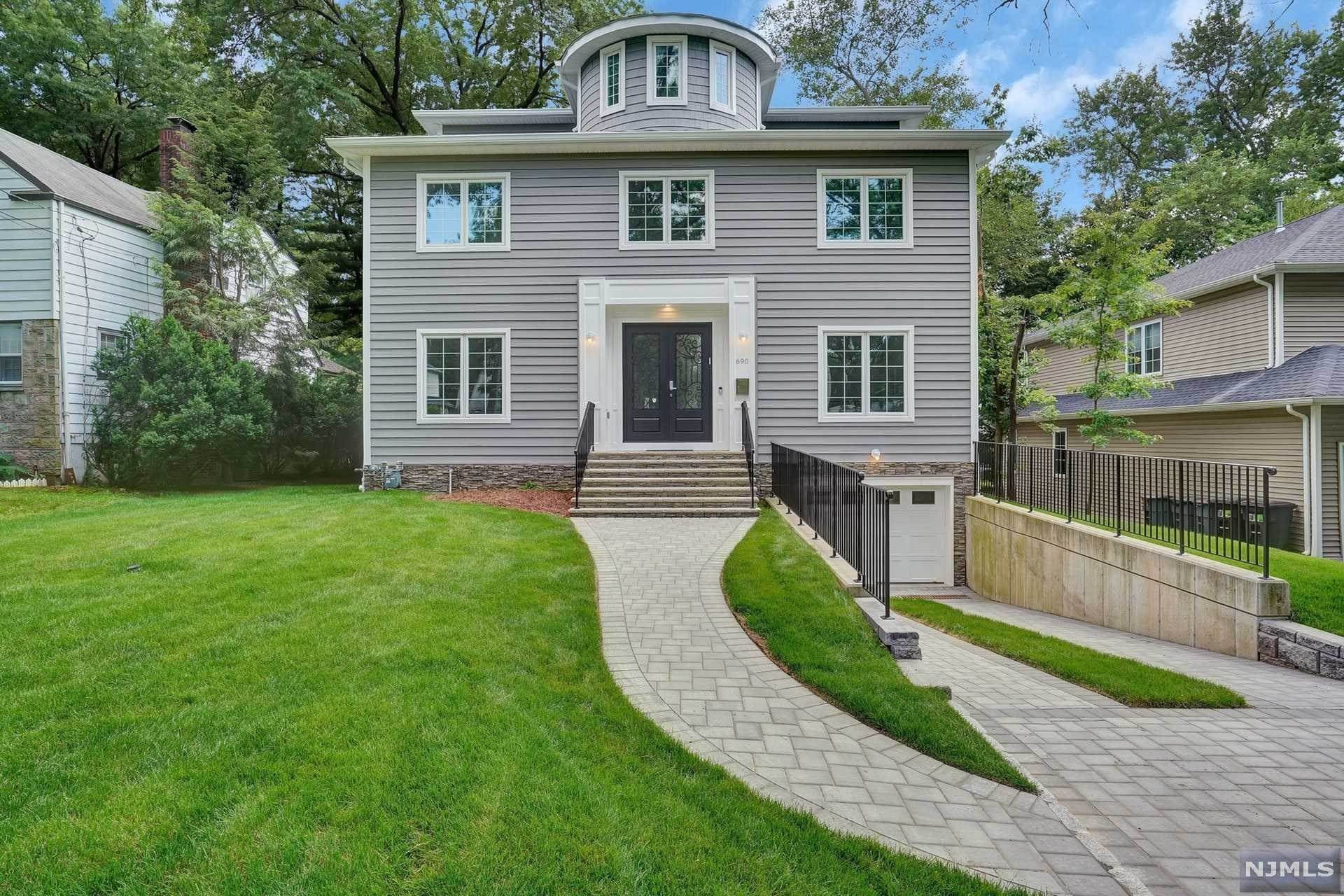Single Family Home for Sale at 690 Forest Avenue Teaneck, New Jersey, 07666 United States