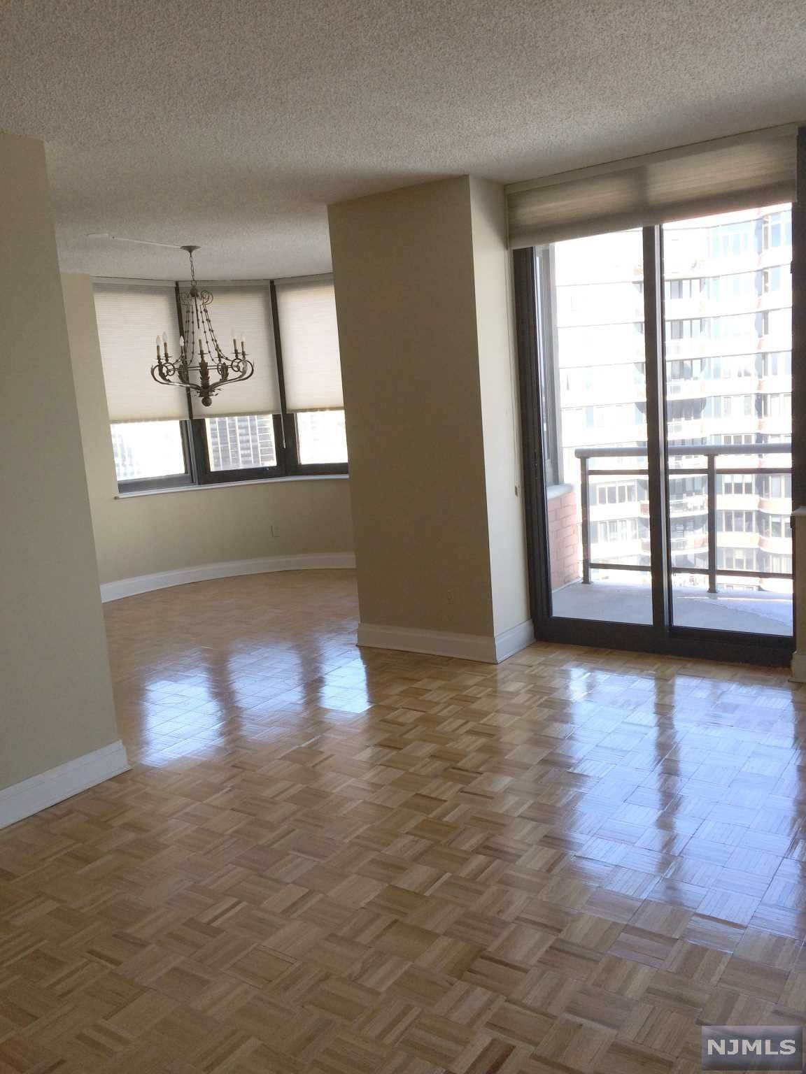 5. Rental Communities for Rent at 100 Carlyle Drive #14BS Cliffside Park, New Jersey, 07010 United States