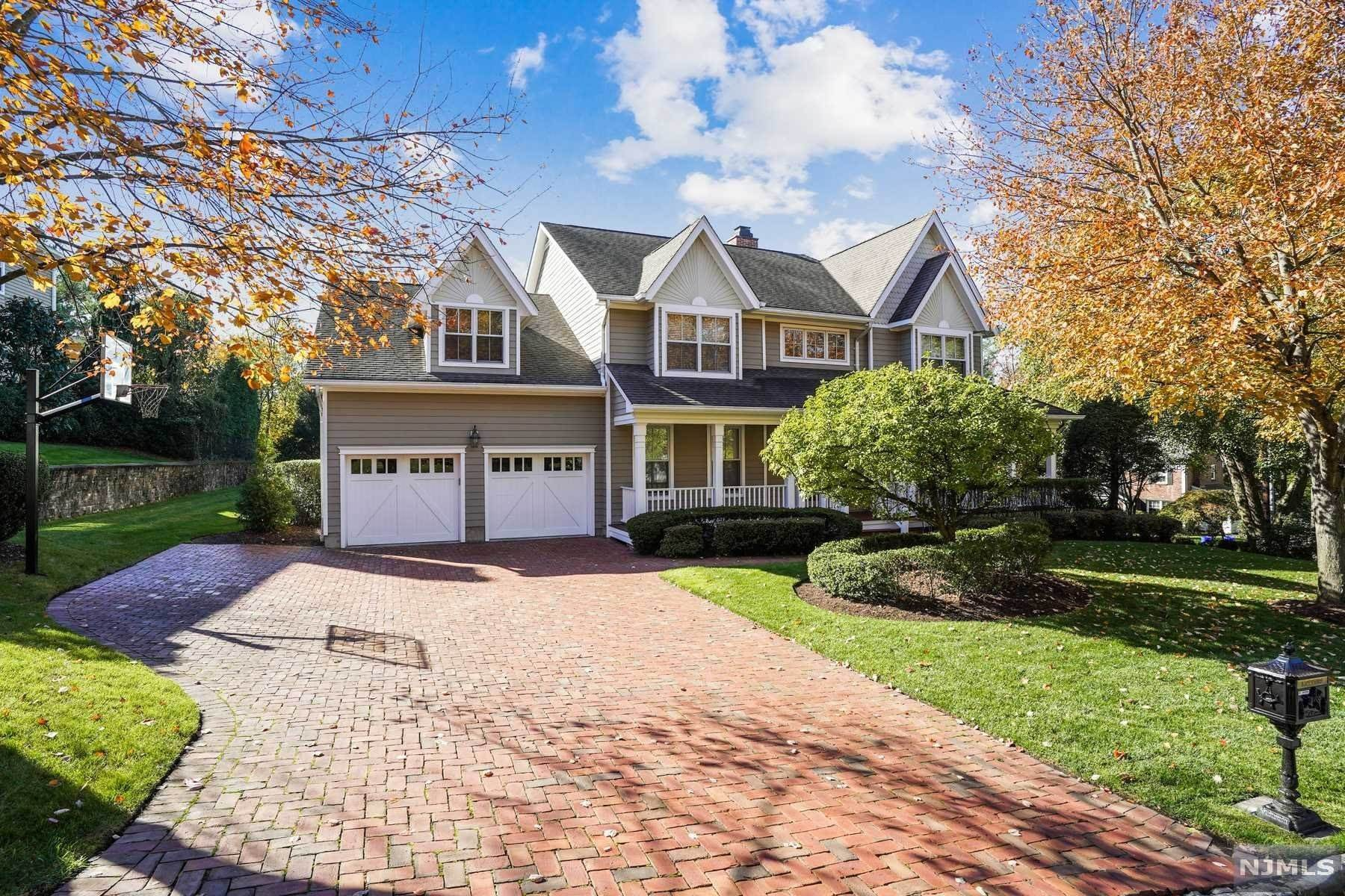 Single Family Home for Sale at 2 East Hill Court Tenafly, New Jersey, 07670 United States