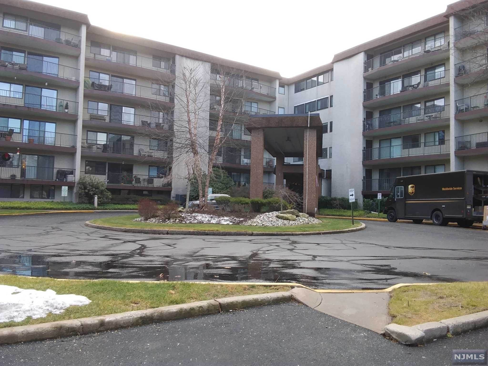 Rental Communities for Rent at 521 Piermont Avenue #322 River Vale, New Jersey, 07675 United States