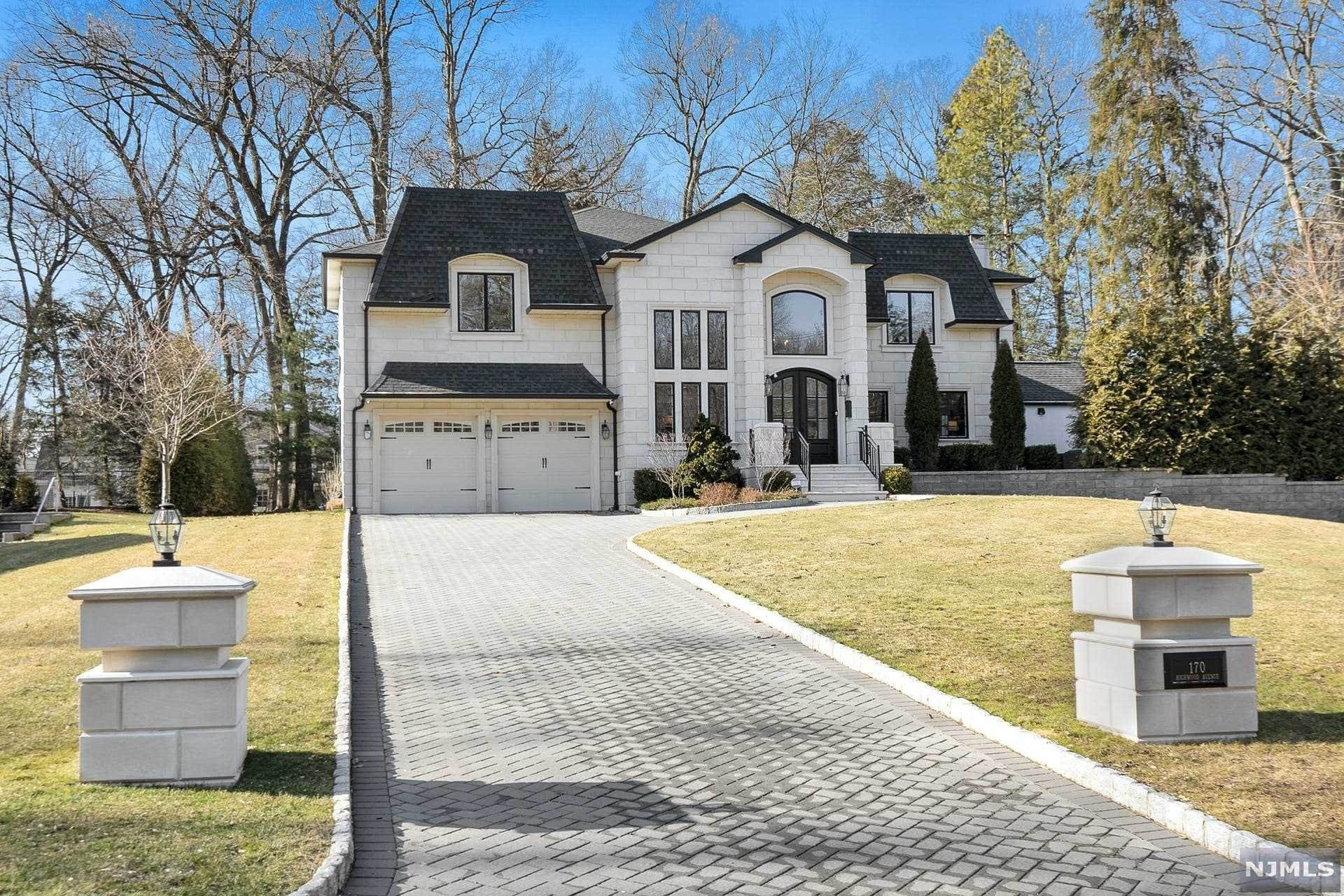 Single Family Home for Sale at 170 Highwood Avenue Tenafly, New Jersey, 07670 United States