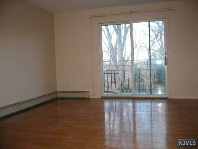 6. Rental Communities for Rent at 431 Oak Street #1 Ridgefield, New Jersey, 07657 United States