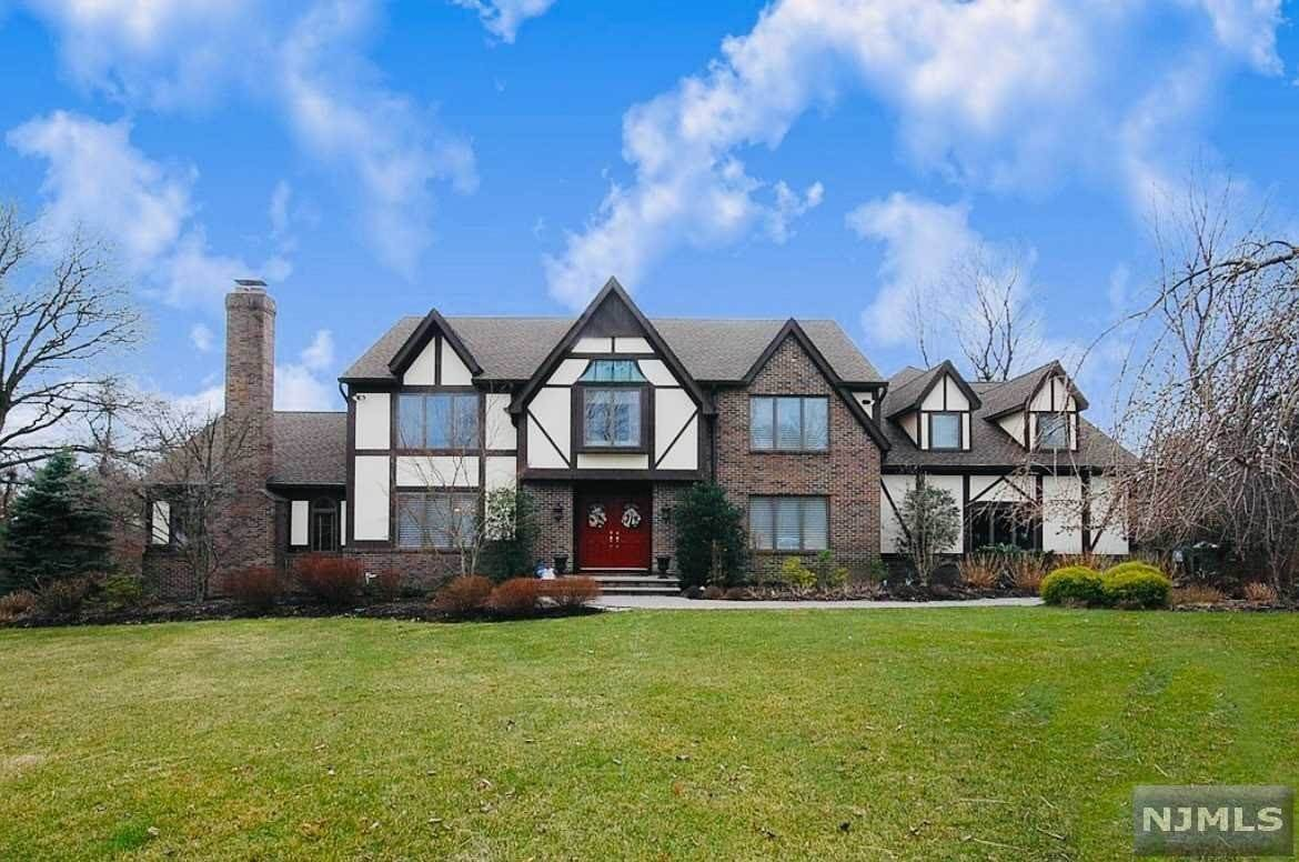 Single Family Home for Sale at 23 Doremus Road Mahwah, New Jersey, 07430 United States