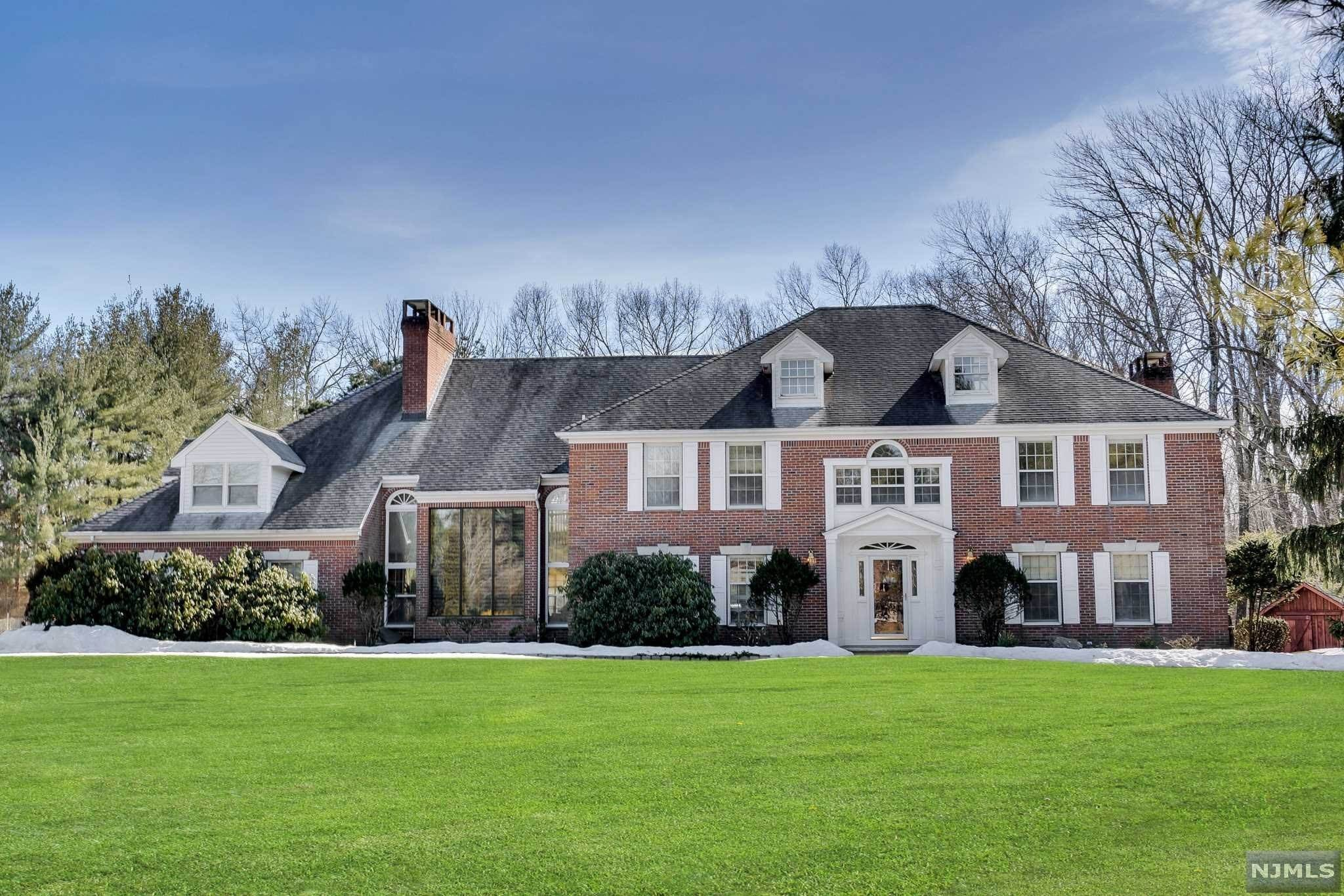 Single Family Home for Sale at 10 Eckert Farm Road Saddle River, New Jersey, 07458 United States