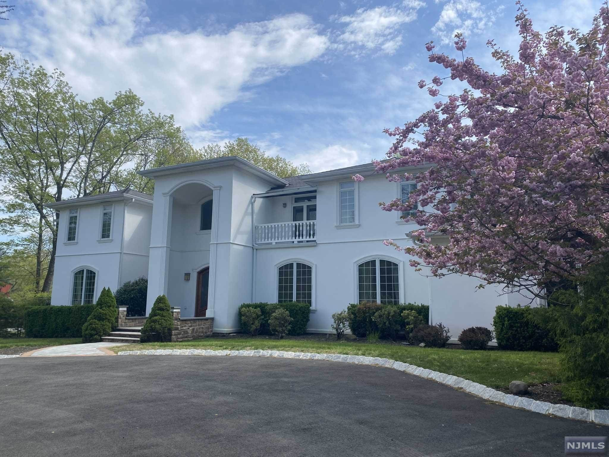 Single Family Home for Sale at 26 Sunrise Lane Upper Saddle River, New Jersey, 07458 United States