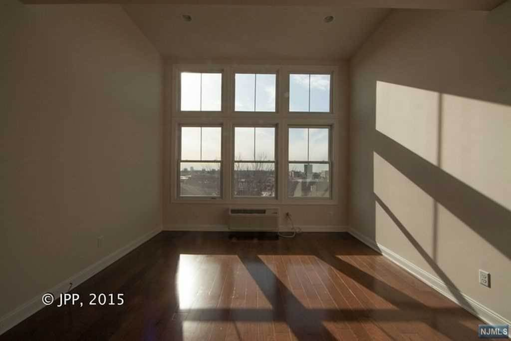 3. Rental Communities for Rent at 240 Walker Street #1E Cliffside Park, New Jersey, 07010 United States
