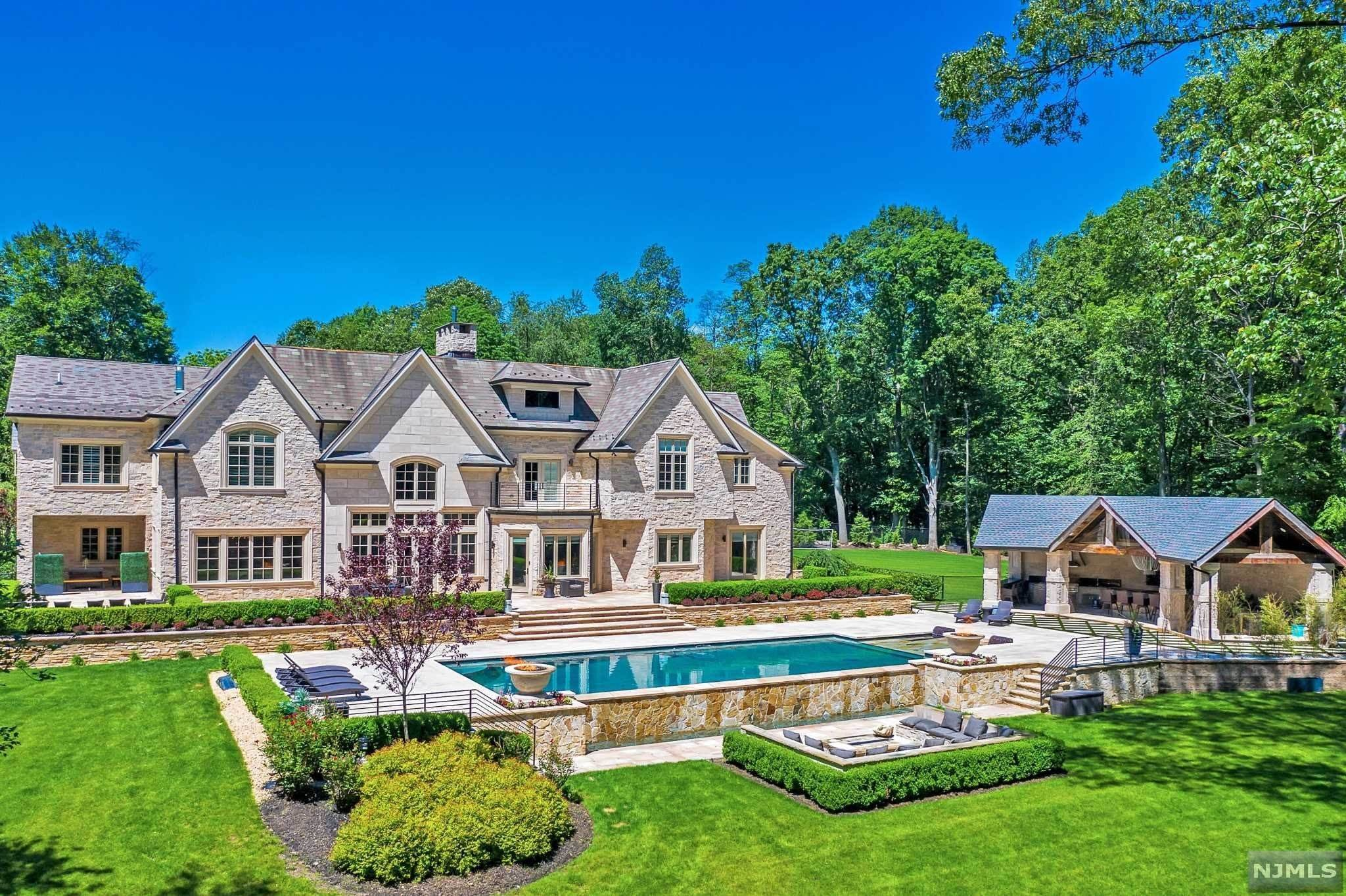Single Family Home for Sale at 1 Scheffler Drive Saddle River, New Jersey, 07458 United States