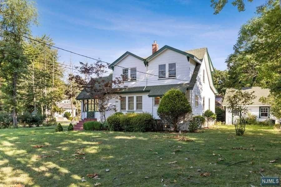 Single Family Home for Sale at 50 Clinton Avenue Hillsdale, New Jersey, 07642 United States