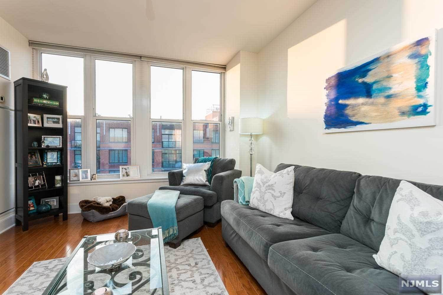 3. Condominium for Sale at 1125 Maxwell Lane #630 Hoboken, New Jersey, 07030 United States