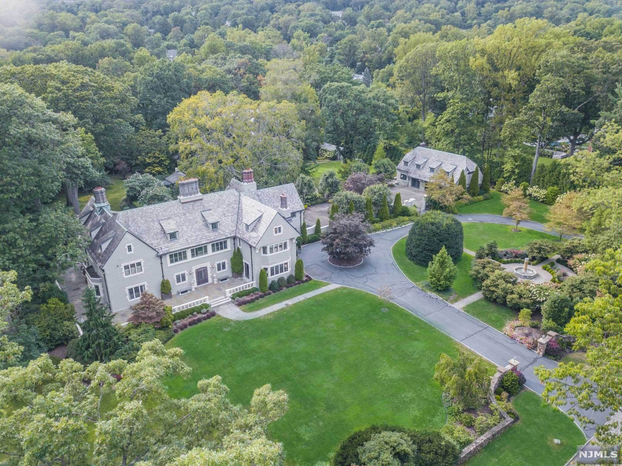 Single Family Home for Sale at 4 Stonebridge Road Montclair, New Jersey, 07042 United States