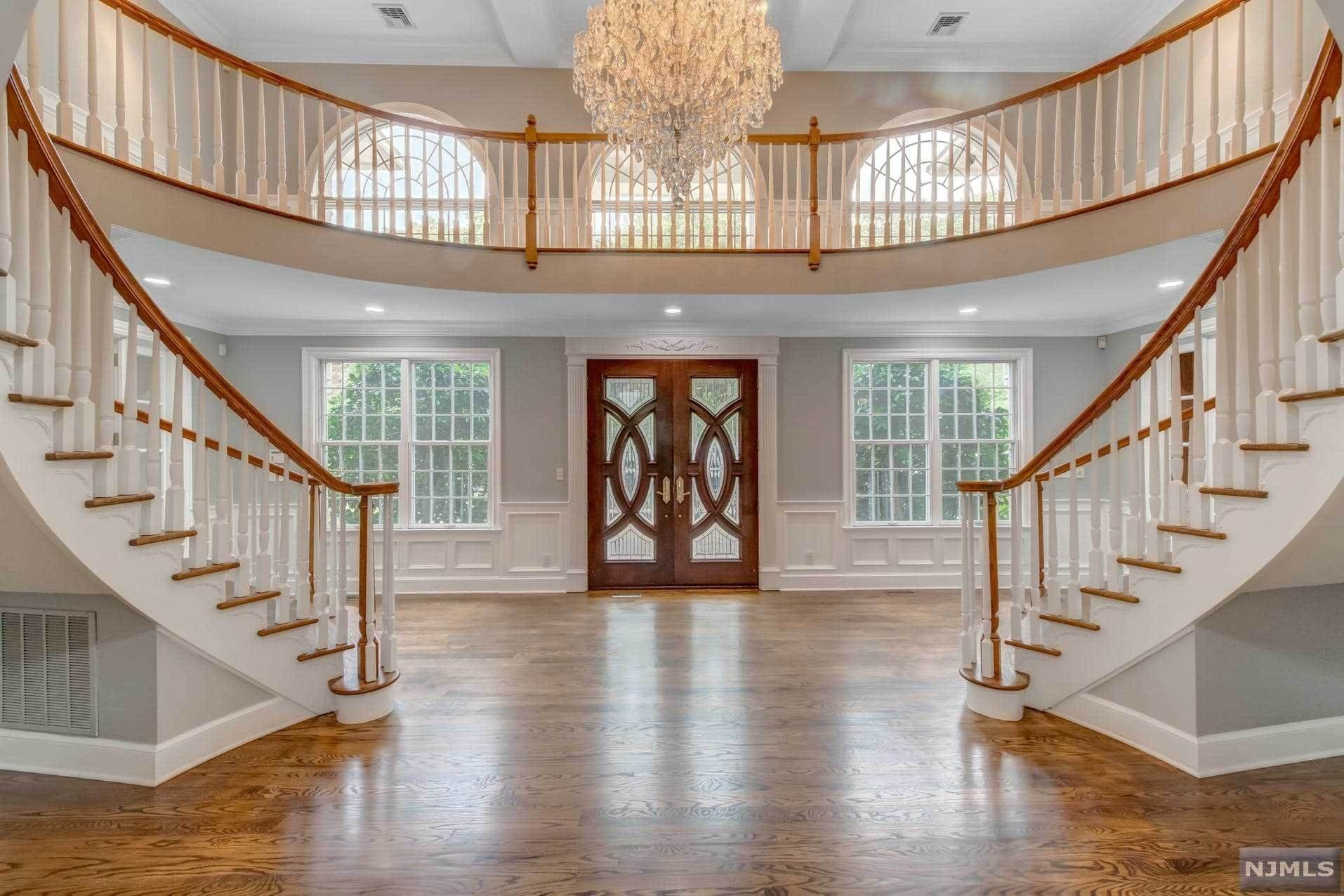 6. Single Family Home for Sale at 14 Shinnecock Trail Franklin Lakes, New Jersey, 07417 United States