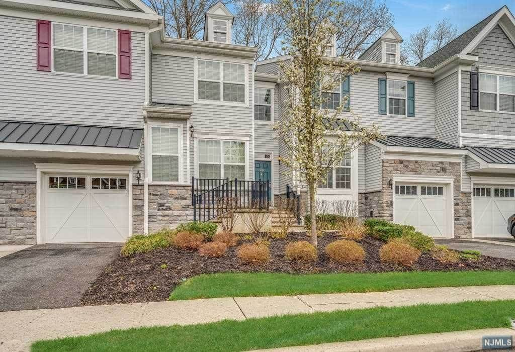 Condominium for Sale at 20 Pineview Drive #206 Waldwick, New Jersey, 07463 United States