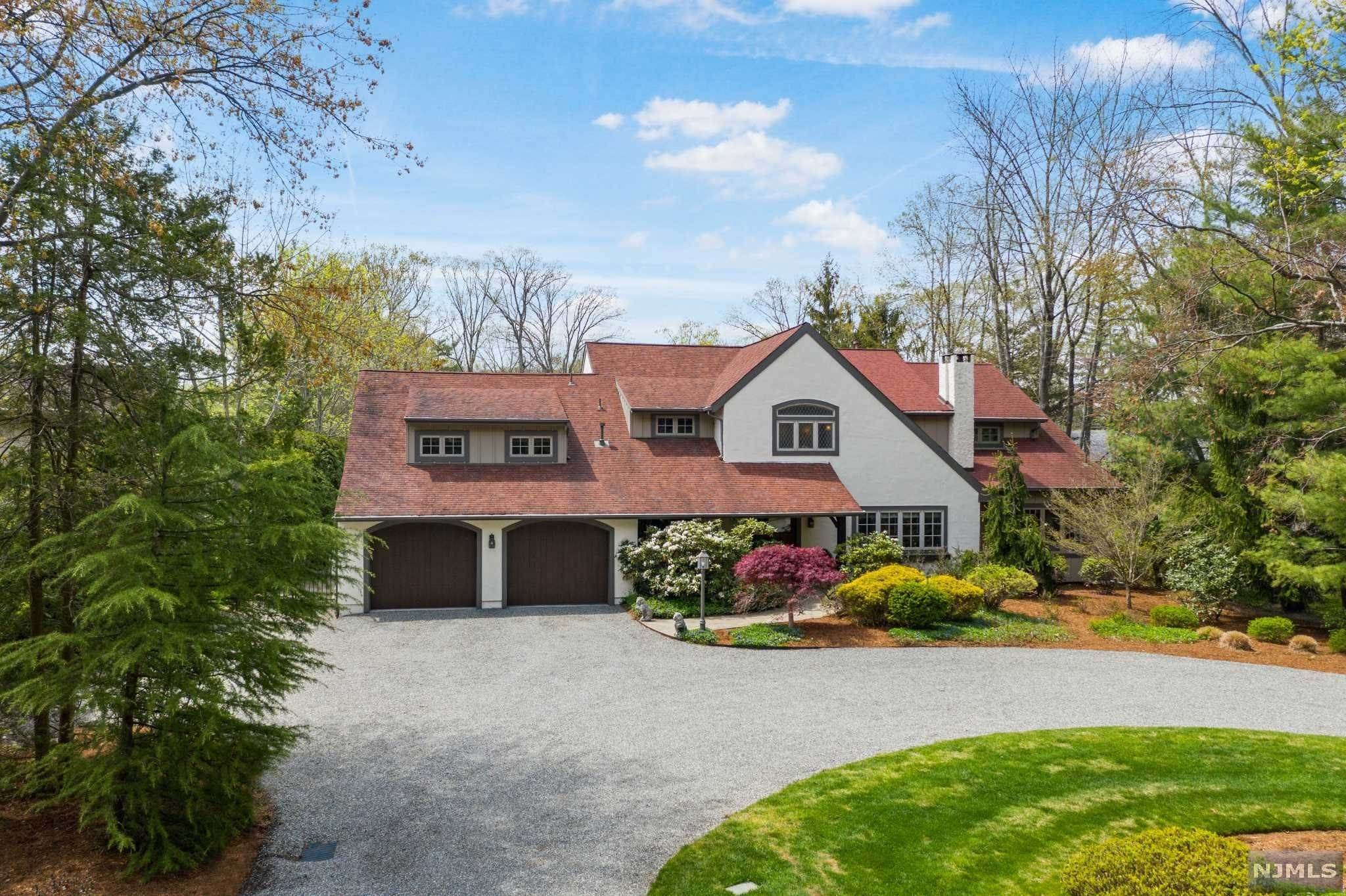Single Family Home for Sale at 308 Pines Lake Drive Wayne, New Jersey, 07470 United States