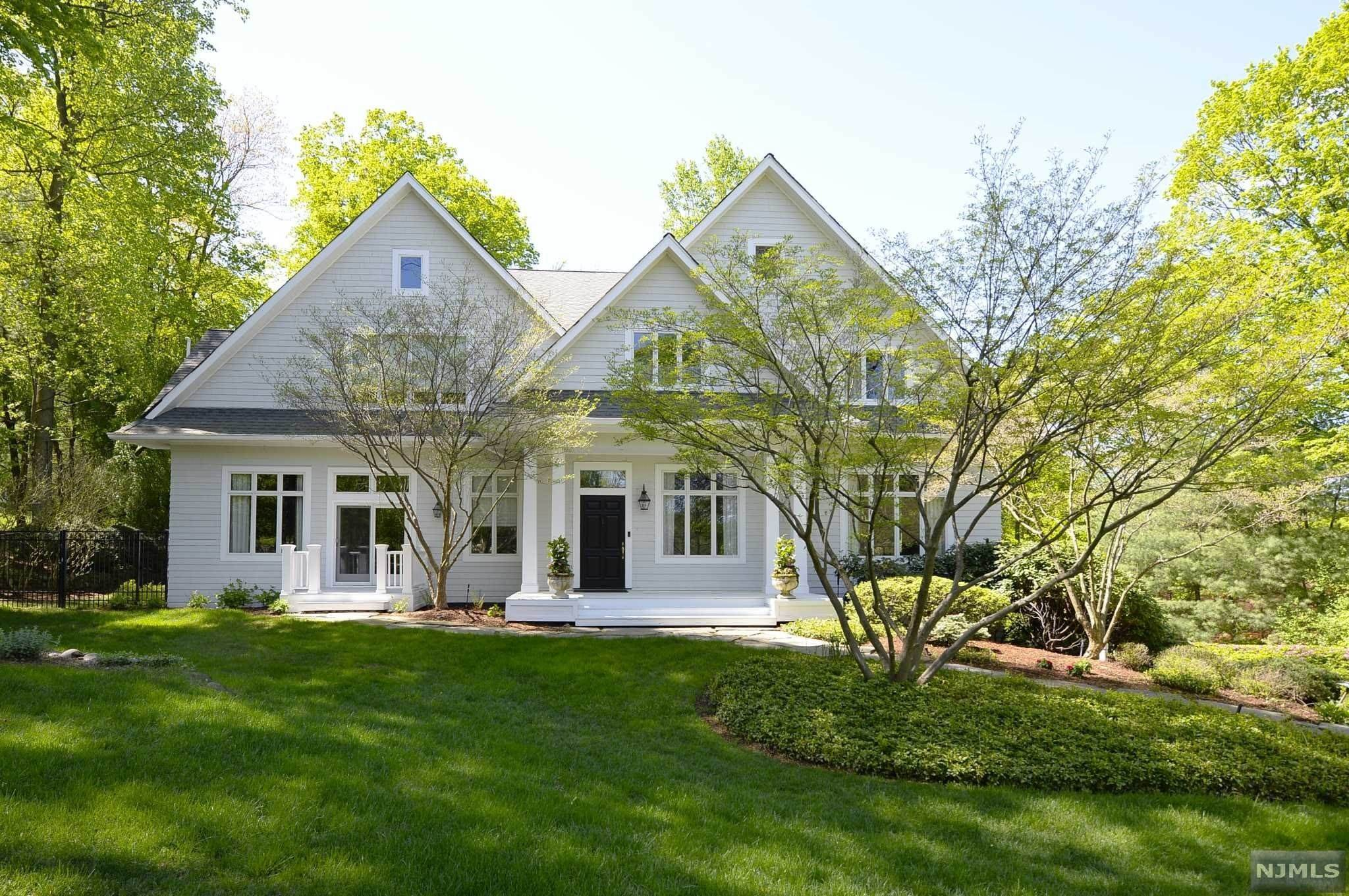 Single Family Home for Sale at 24 Locust Lane Saddle River, New Jersey, 07458 United States