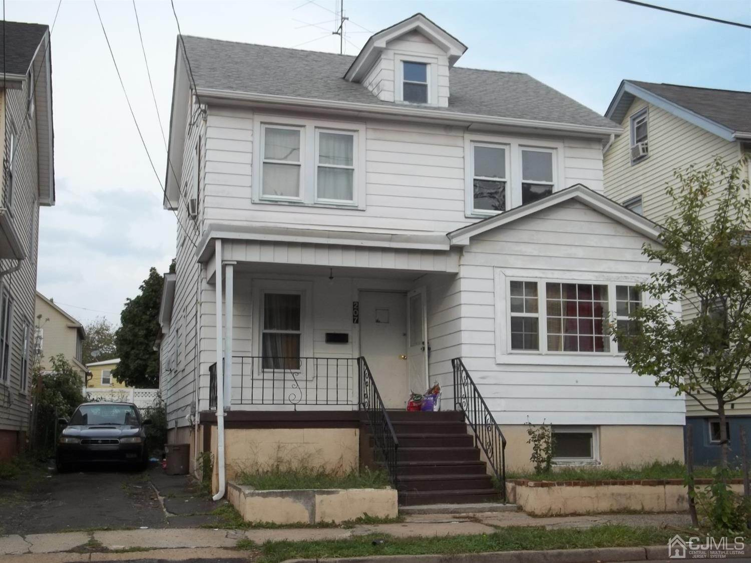 Apartments / Flats for Rent at 207 Lawrence Street New Brunswick, New Jersey, 08901 United States