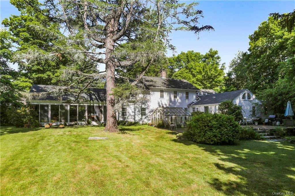 Single Family Home for Sale at 14 Lockwood Road South Salem, New York, 10590 United States