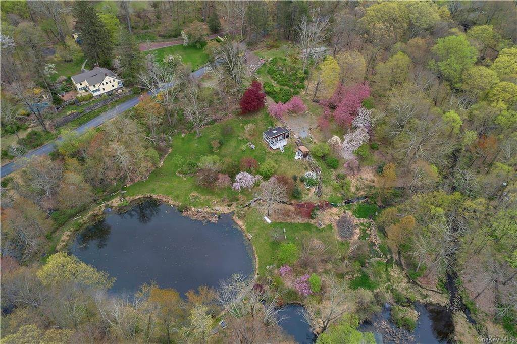 Single Family Home for Sale at 395 Blinn Road Croton On Hudson, New York, 10520 United States