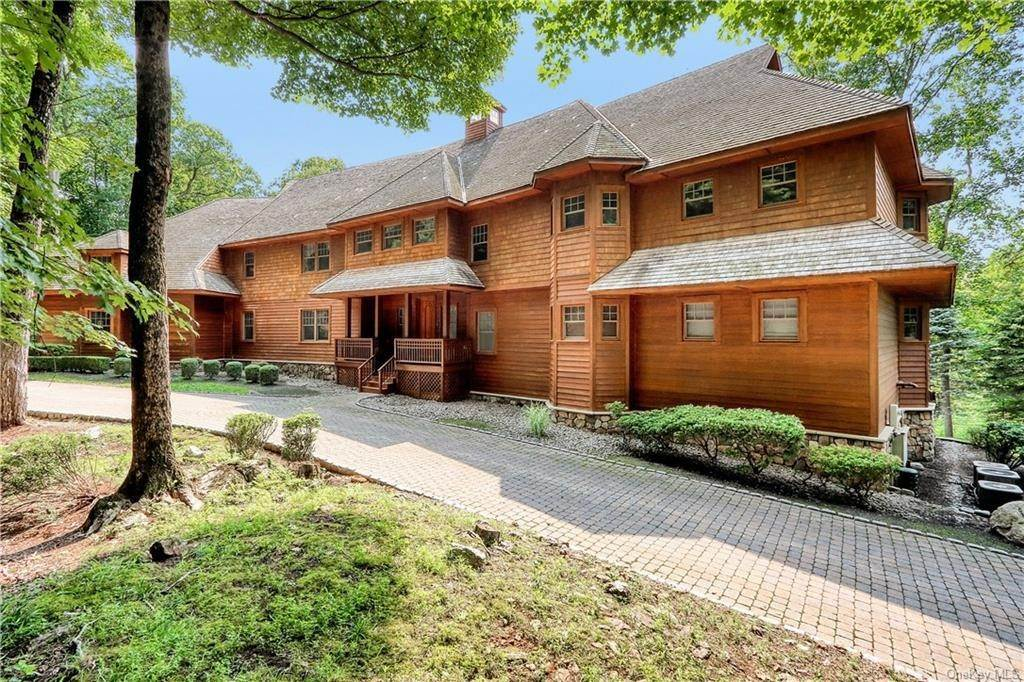 Single Family Home for Sale at 95 Cliff Road Tuxedo Park, New York, 10987 United States