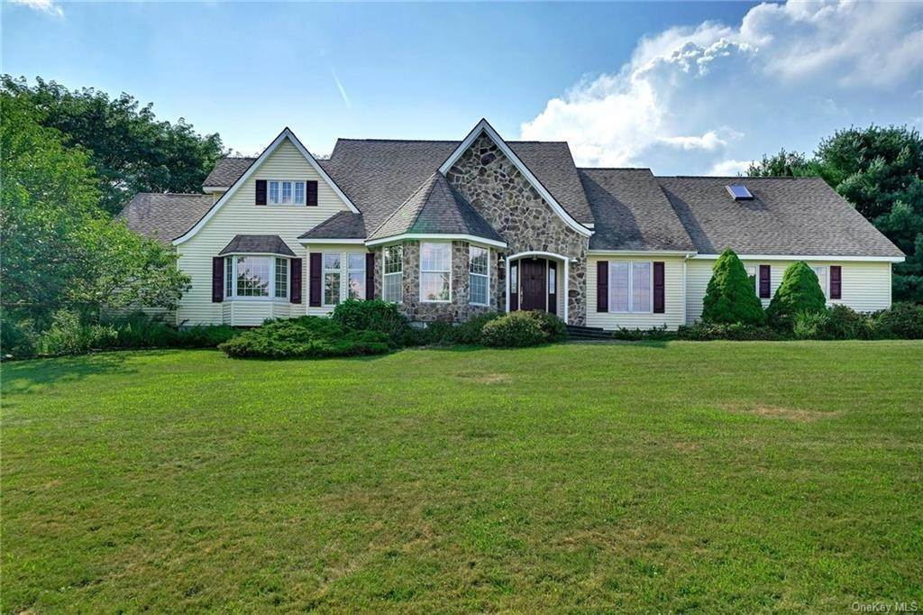 Single Family Home for Sale at 3 Lake View Drive Goshen, New York, 10924 United States