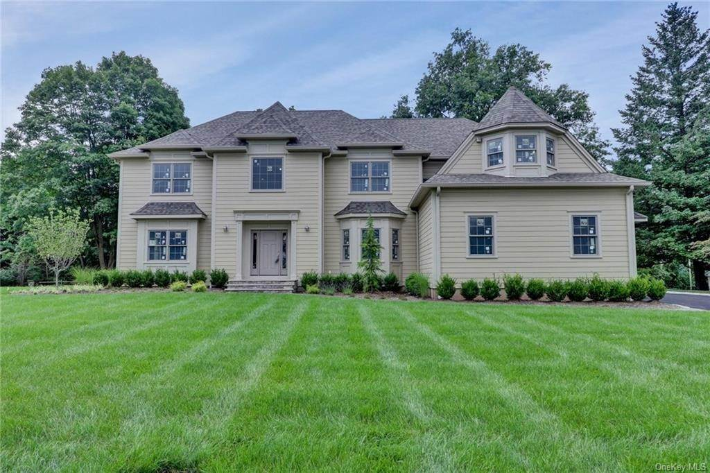 Single Family Home for Sale at 13 Stone Meadow Lane Airmont, New York, 10901 United States
