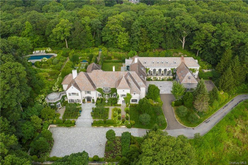 Single Family Home for Sale at 14 Cowdray Park Drive Armonk, New York, 10504 United States