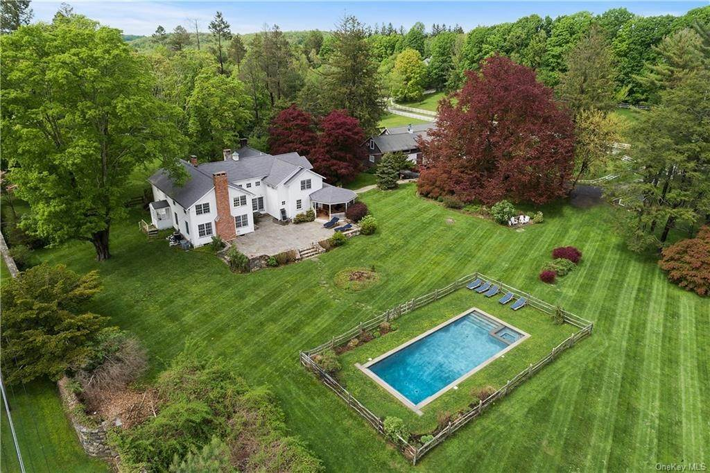 Single Family Home for Sale at 9 Great Hill Farms Road Bedford, New York, 10506 United States