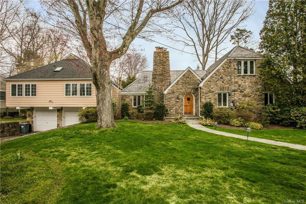 Single Family Home for Sale at 225 Rock Creek Lane Scarsdale, New York, 10583 United States