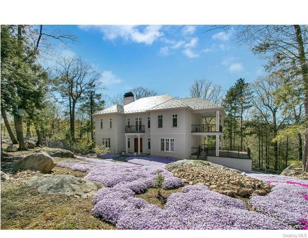 Single Family Home for Sale at 32 Acoma Road Tuxedo Park, New York, 10987 United States