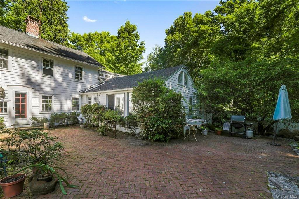 11. Single Family Home for Sale at 14 Lockwood Road South Salem, New York, 10590 United States