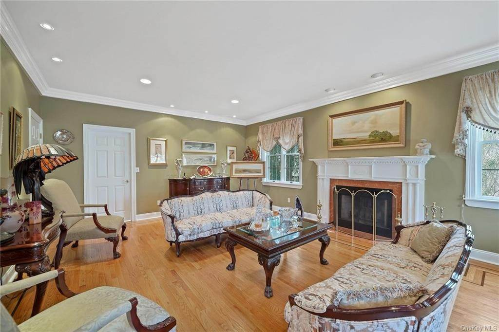 11. Single Family Home for Sale at 1115 Gambelli Drive Yorktown Heights, New York, 10598 United States